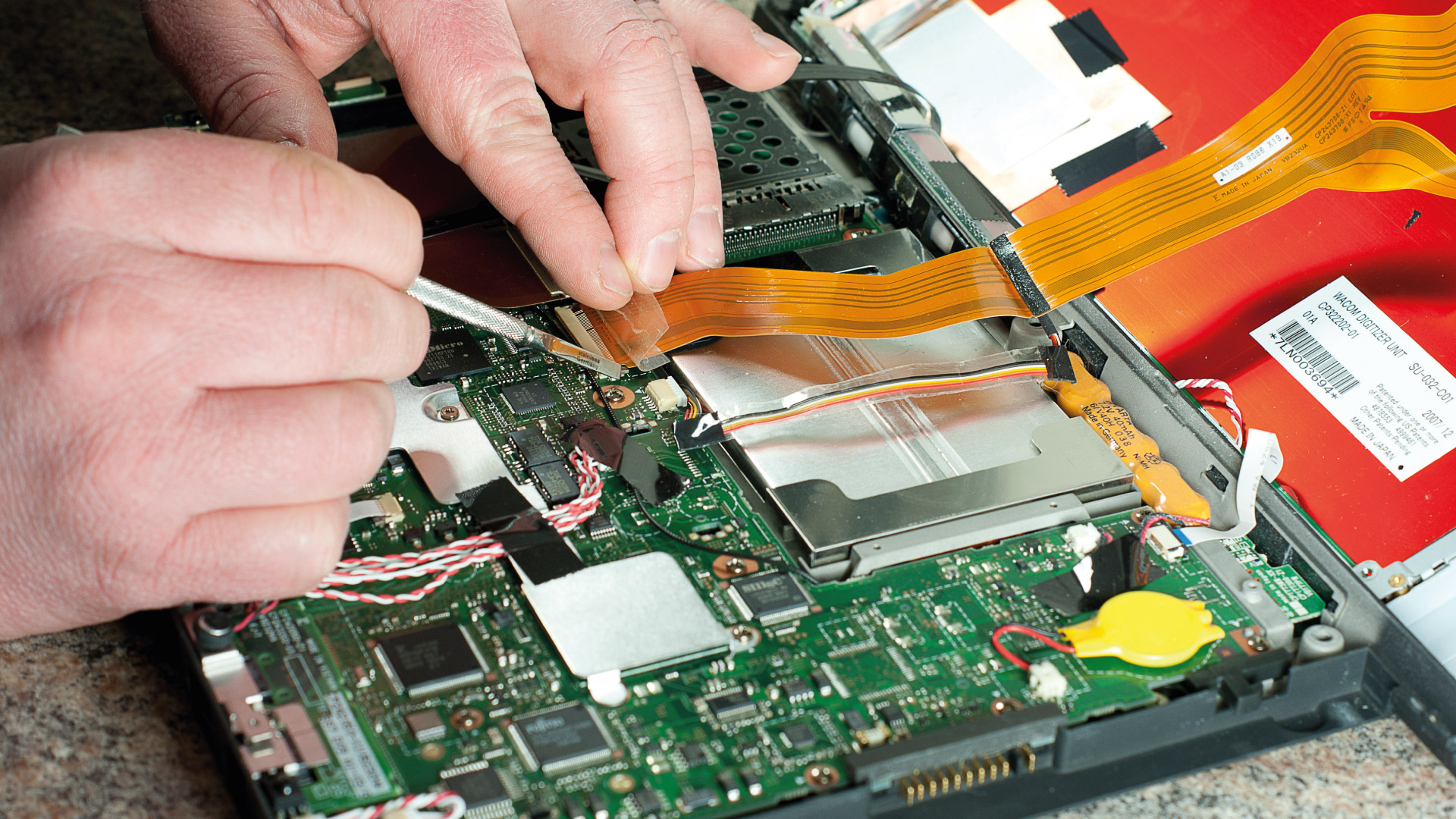 troubleshooting computer hardware 11) understand basic techniques of asking customers about their computer problems, and how to handle customer questions concerning their computer 12) developing a computer repair kit that contains the right software, hardware, tools and spare parts.